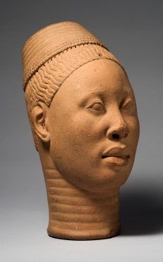 "Head called ""Lajuwa."" Ife Palace, Ife. 12th-15th century C.E. Terra-cotta.,Fundación Marcelino Botín/Museum for African Art. © National Commission for Museums and Monuments, Nigeria."